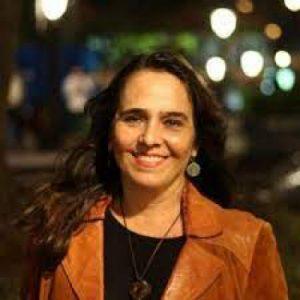 Fotografía de la escritora Dorelia Bahamon
