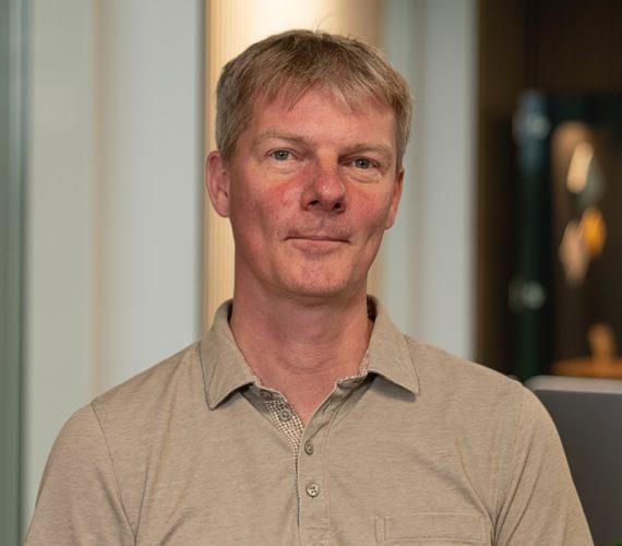 Fotografía del periosdista y escritor jesper Sørensen