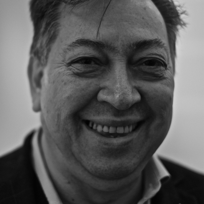 Fotografía del poeta chileno Jorge Valenzuela